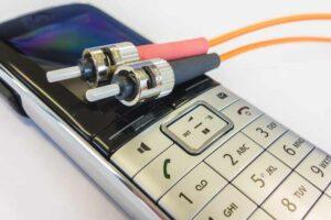 Fiber Optic Cable क्या है प्रकार, फायदे और नुकसान
