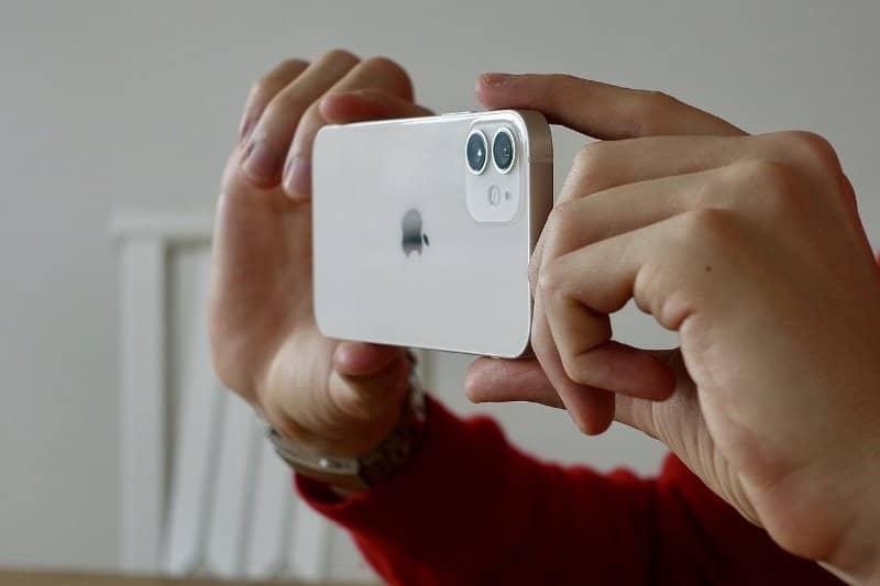 iPhone स्मार्टफोन के फायदे और नुकसान