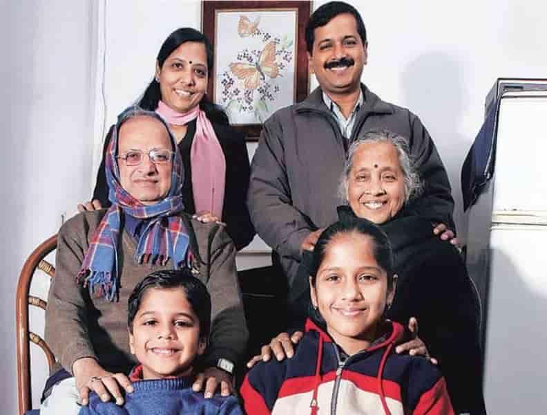 अरविन्द केजरीवाल का जीवन परिचय राजनीति, संपत्ति, और परिवार