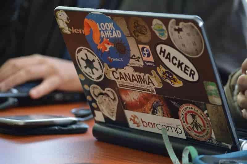 ओपन सोर्स सॉफ्टवेयर क्या होता है उदाहरण और इसके फायदे, नुकसान